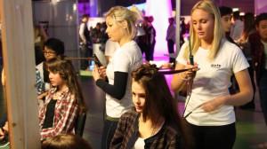 Frisörelever Guteskolan gymnasiemässan 2012