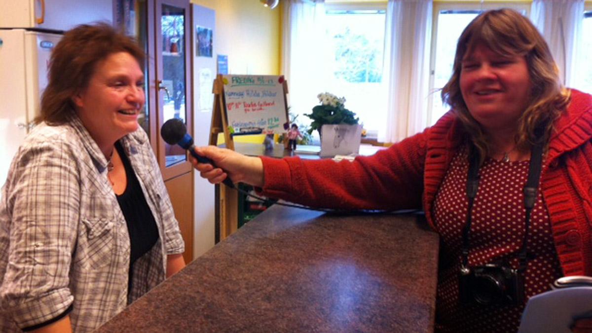Annelie Häggqvist och Mari Winarve från Sveriges Radio P4 Gotland.
