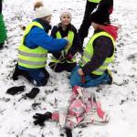 Guteskolan bygger drakar på Strandgärdet.